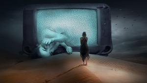 Woman on TV - Pixabay