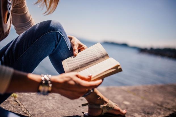 Girl Reading - PIXABAY.jpg
